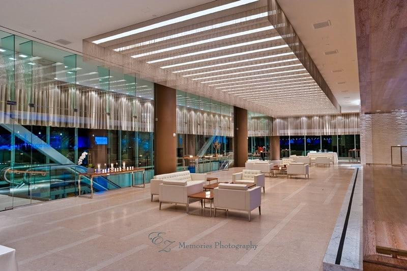 1001wtmk 1 - Lobby