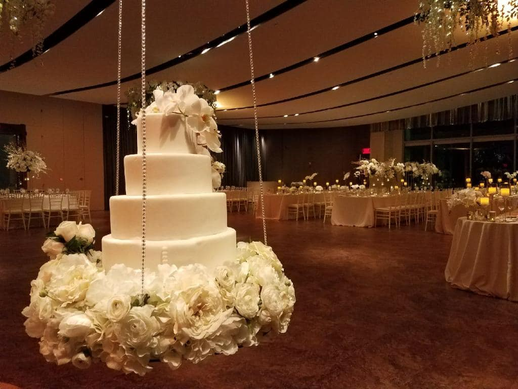 Hanging Cake - Wedding Cake