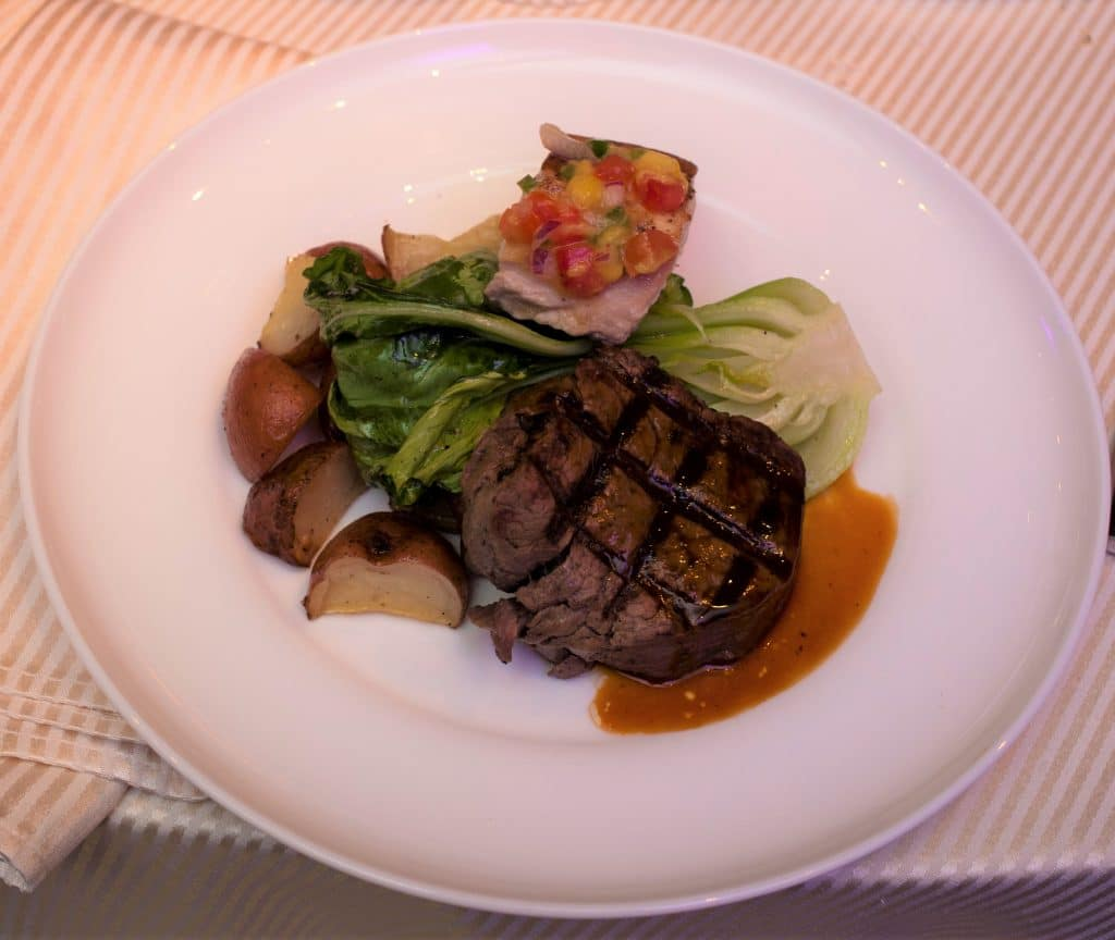 Split Plate Filet and Mahi 1024x864 - Entrees